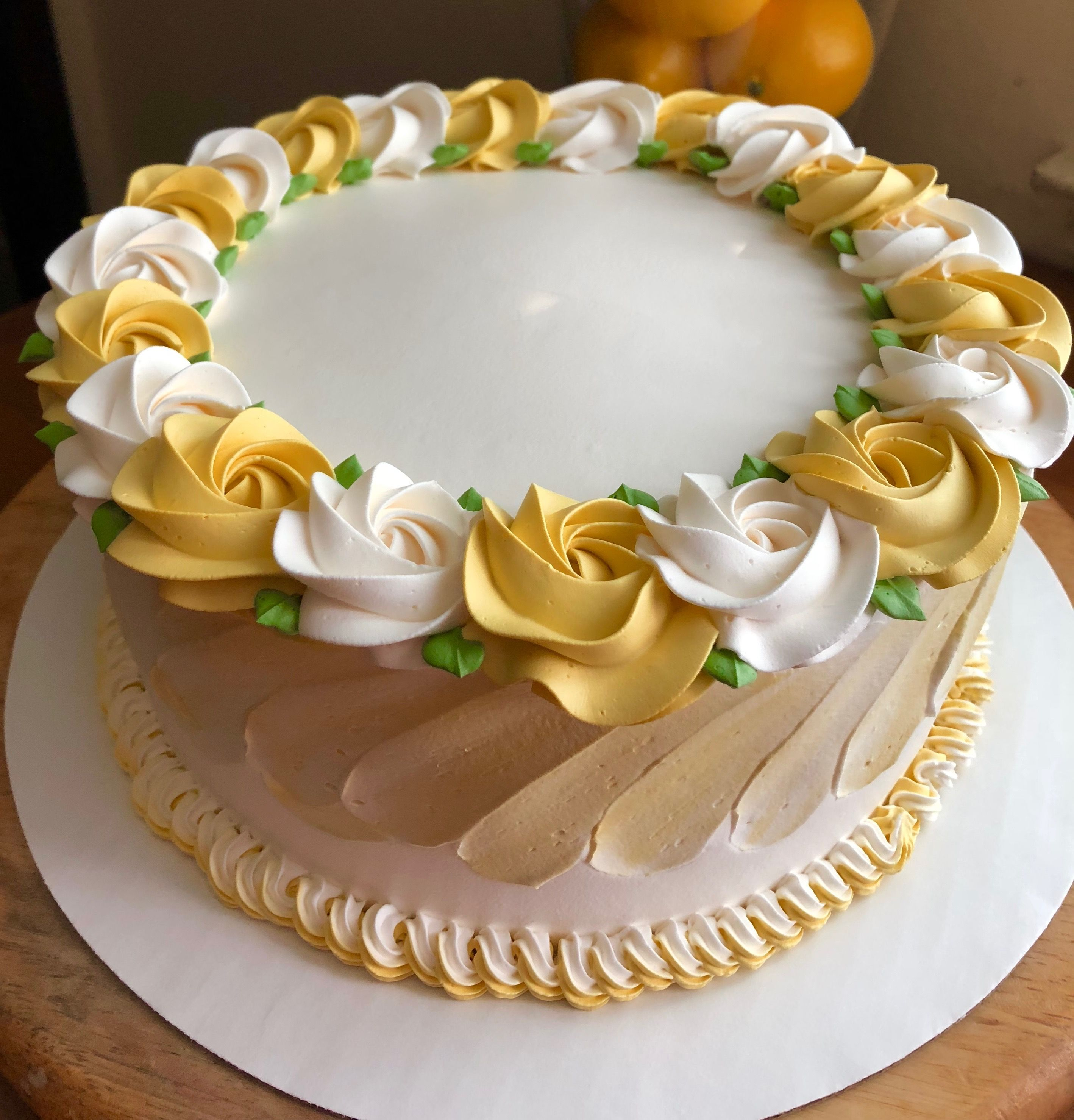 cake decorating videos icing artist Pin by Helene Trippel on Mis Creaciones  Buttercream cake
