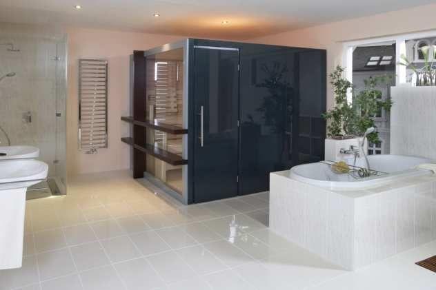 Das Badezimmer mit Saunakabine LEGER für die ganze Familie ...