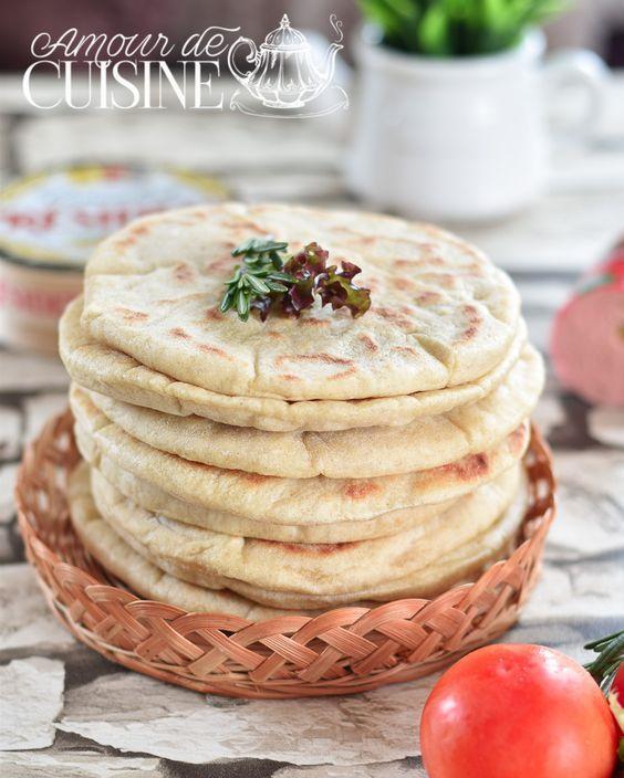 Pain Pita De La Cuisine Libanaise à La Poele