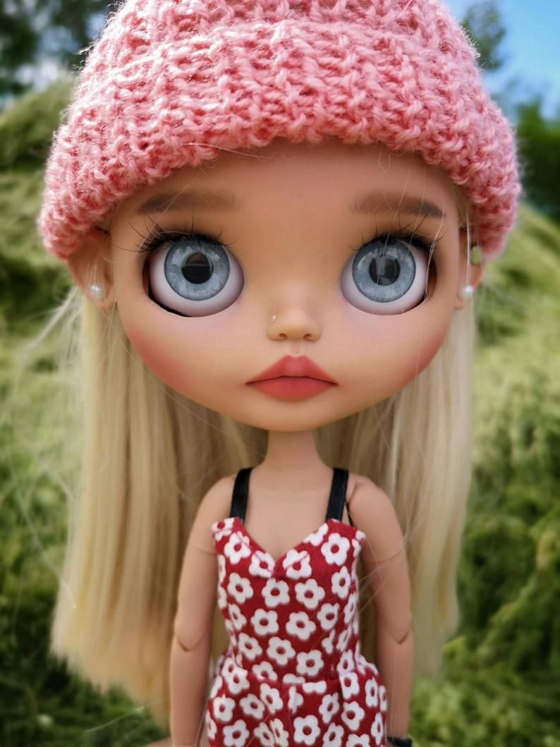 Sold out! Please dont buy! Custom blythe doll
