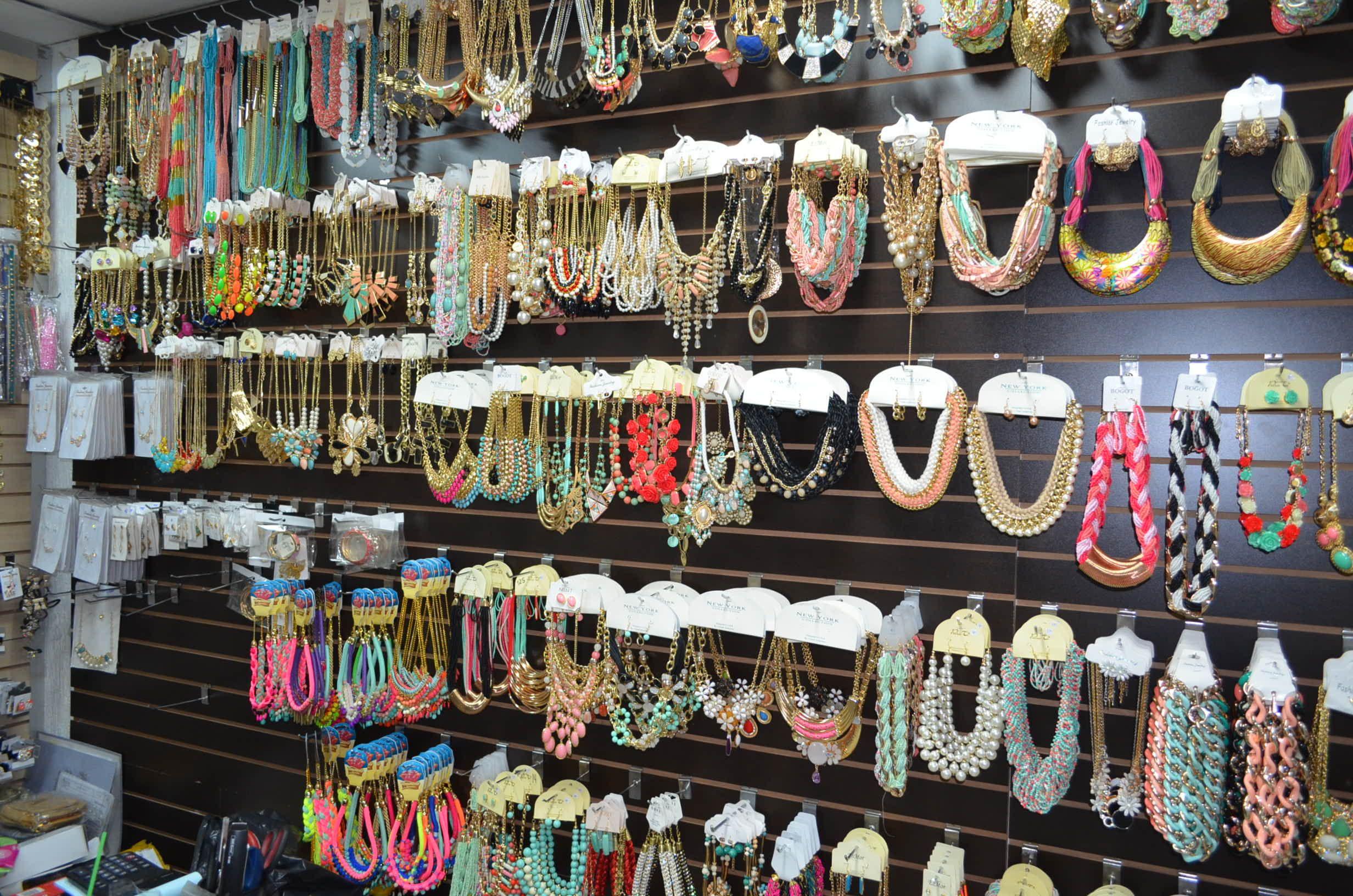 c4990712ccfd 8 mejores imágenes de Sitio para compras joyas en acero por mayor en  Colombia