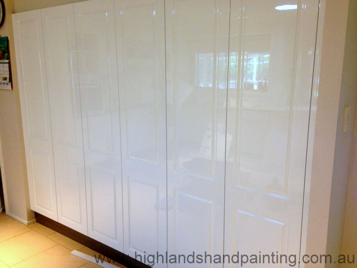 Resprayed Kitchen Cabinets - Highlands Hand Painting   шкаф ...