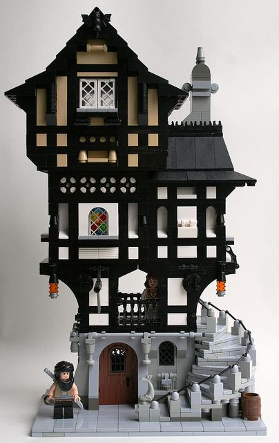 Medieval Town House I Wanted Something Big And Imposing Fo Flickr Lego Village Legos Lego House