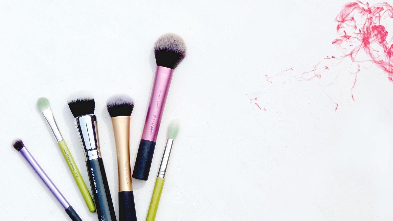 Mac Makeup Wallpaper By Piinkylove On Deviantart 1280 800 Makeup