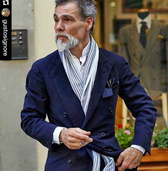"""frasi-simonerighi: """" Repost from (and thanks to) @gustosignore ・・・ Simone wearing blue suit… Some years ago at Frasi, Firenze 푸른색 수트를 입은 시모네 피렌체 프라시에서. #bluesuit #남자멋내기 #menstyleguide #menstyleadvice #mensattire #menstyle #menswear #mensgoods..."""
