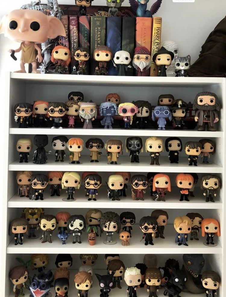 Boyle Bir Koleksiyonum Olsa Hayat Umrumda Olmazdi Neyse Hayallere Kapilmayalim Gene Harry Potter Decor Harry Potter Funko Harry Potter Anime