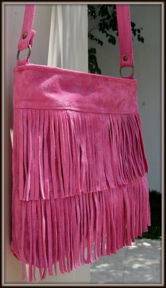TATI - Bandolera de gamuza color rosa chicle.