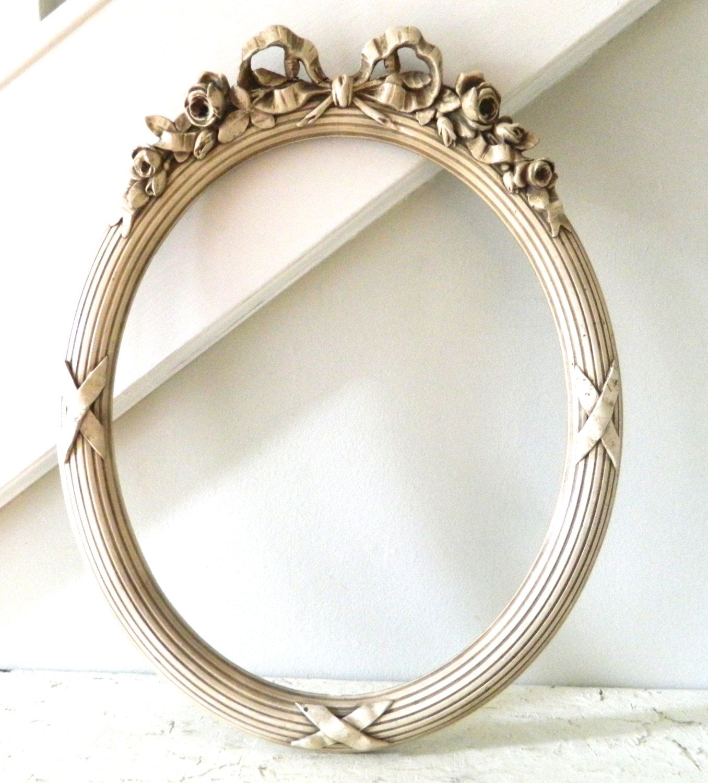 vintage oval frame white cream ornate oval frame frame antique frames. Black Bedroom Furniture Sets. Home Design Ideas