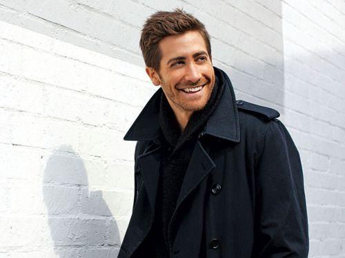 Jake Gyllenhaal in a pea coat. Mmm.
