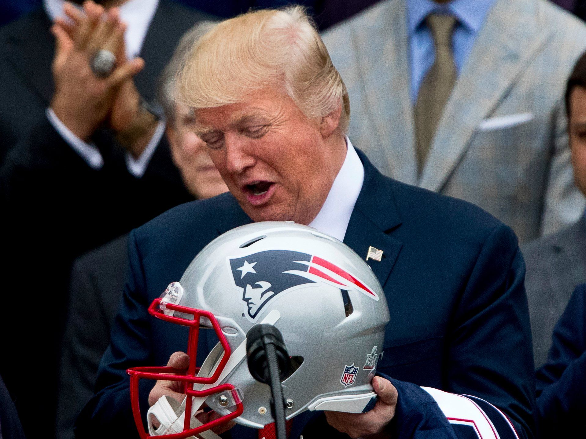 Trump Suggested The Nfl Is Being Ruined Now That It S Addressing Brain Injuries Here S What Collisions Do To Players New England Patriots