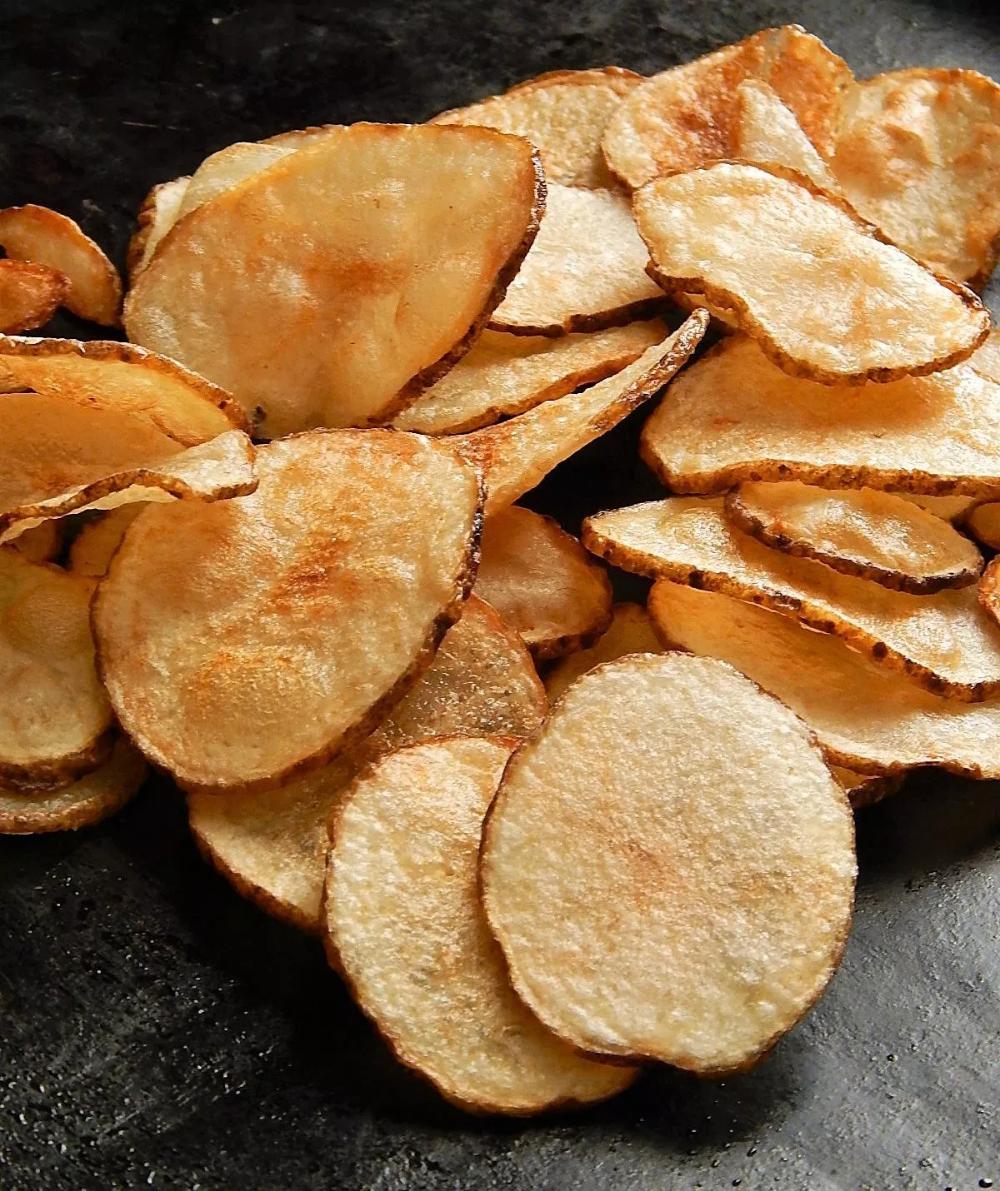 The Best Homemade Potato Chips Recipe Homemade Chips Potato Chips Potato Chip Recipes