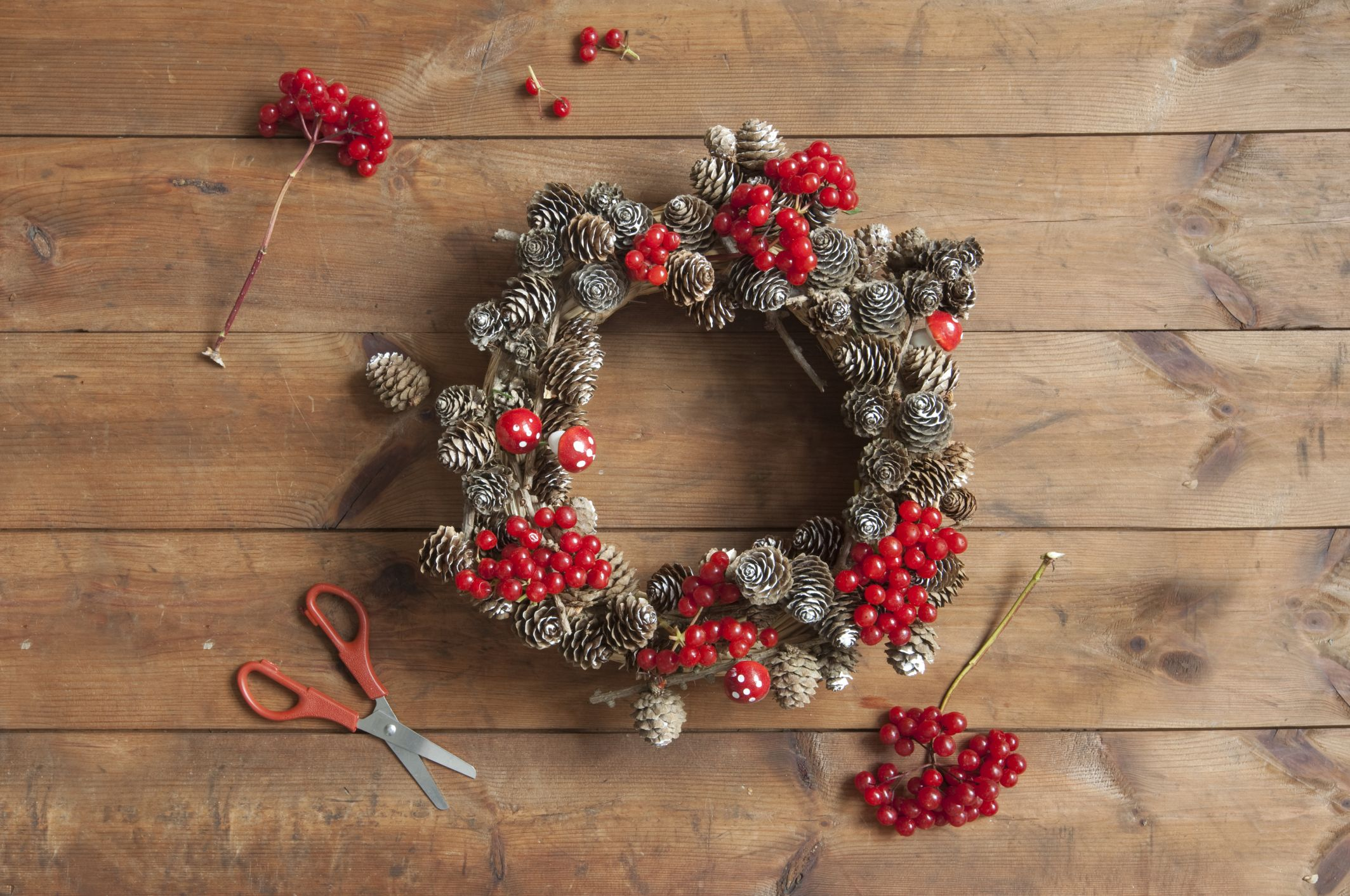 Creative New Way To Make A Wreath Will Give All