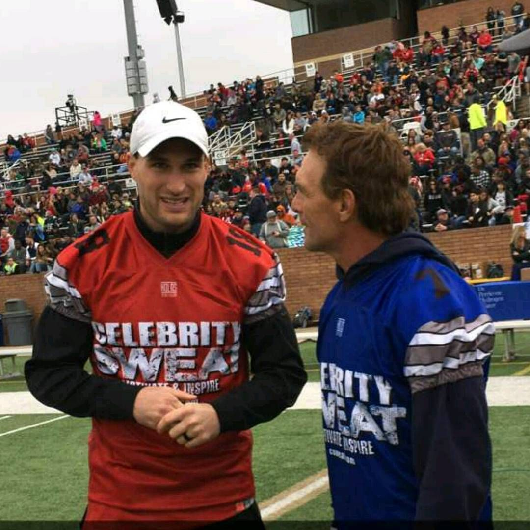 Kirk Cousins Shoves An Official During Celebrity Flag Football Game Flag Football Games Flag Football Kirk Cousins