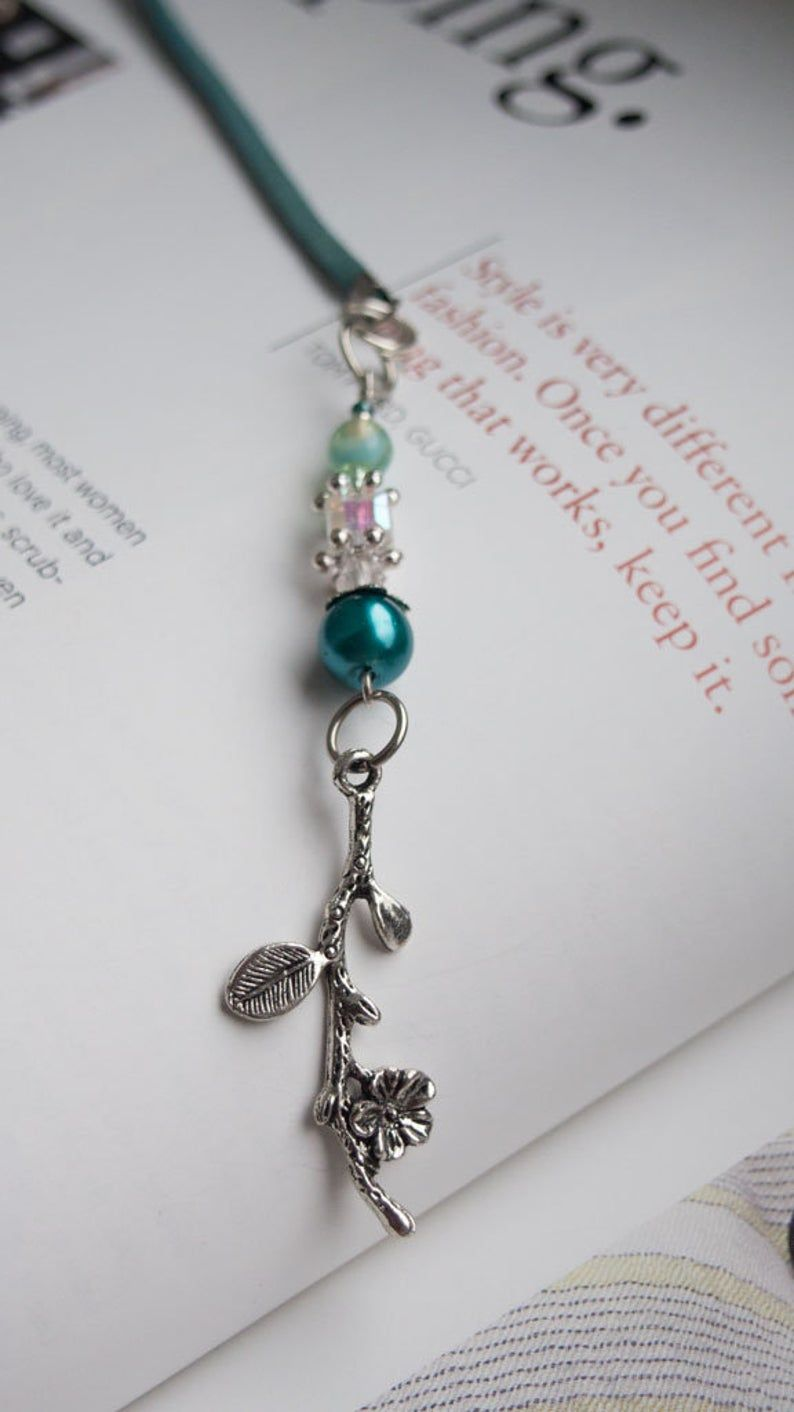 Green Bookmark for books, Book nerd gift, Book lover gift, Beaded Bookmark for readers with  green glass beads and pearls