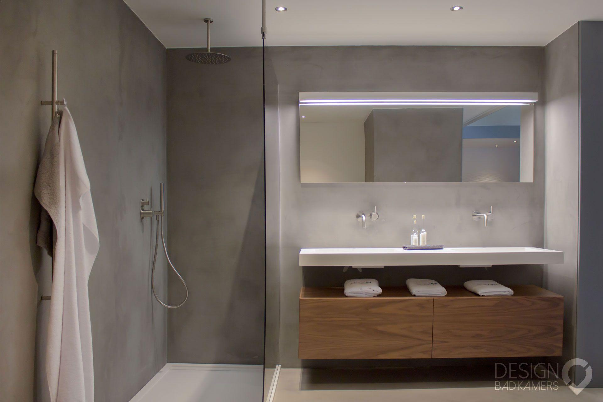 Badkamer Vloer Beton : Maatwerk badkamer met gebruik van micro beton betonciré op de