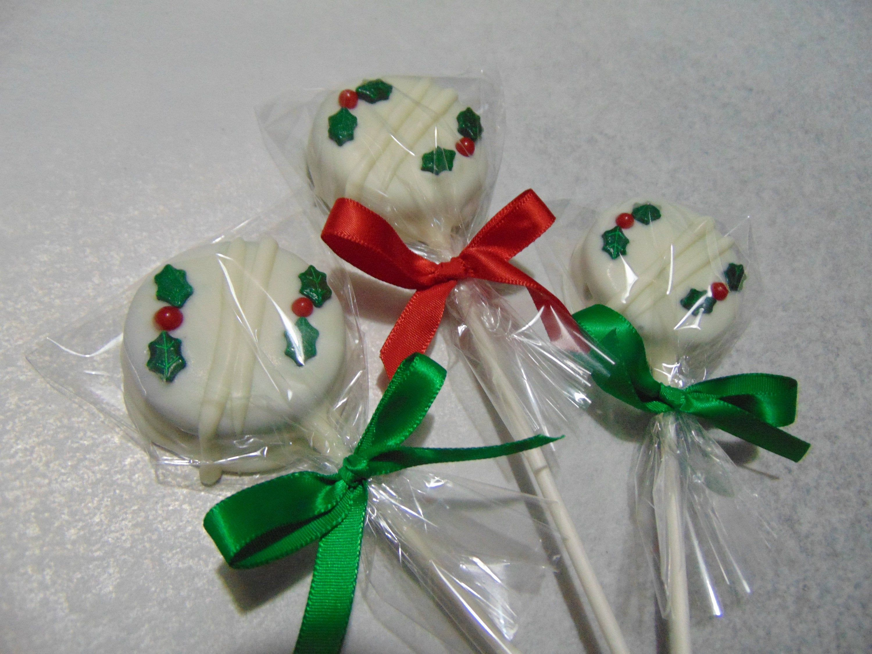 Oreo Pops Christmas Milk or White Chocolate covered Christmas themed Oreo Pops 1 dozen #oreopops