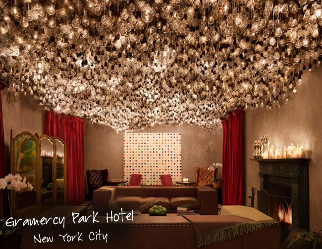 Next time I'm back in NYC, I've got to go to the Gramercy Park Hotel to check out this amazingly awesome lightbulb ceiling!!!!~*