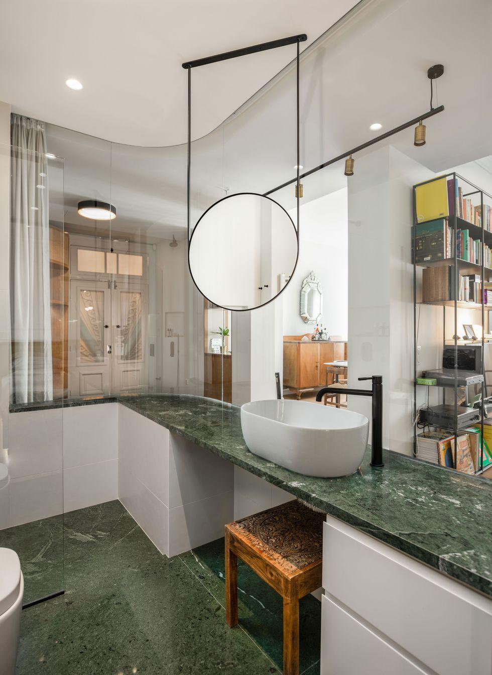 Des Cloisons Interieures Vitrees Pour Un Appartement Transparent Planete Deco A Homes World Cloison Interieure Cloison Appartement