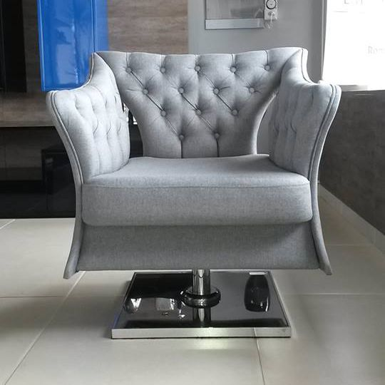 Já se imaginou sentar em uma poltrona linda e confortável assim?!