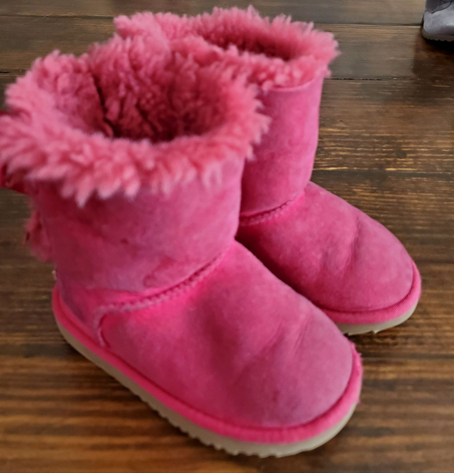 uggs for toddlers size 9