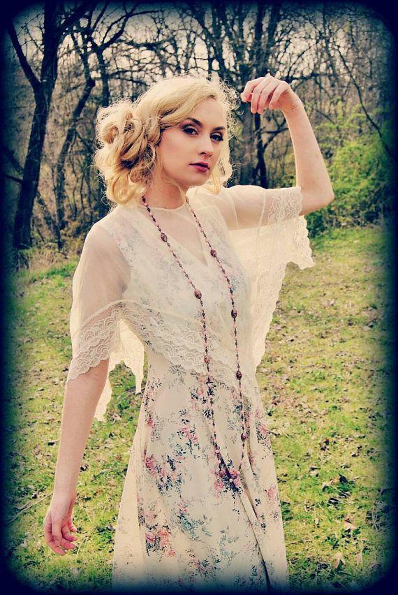 Rosa Blumen und Creme Vintage Kleid mit schiere Caplet ...
