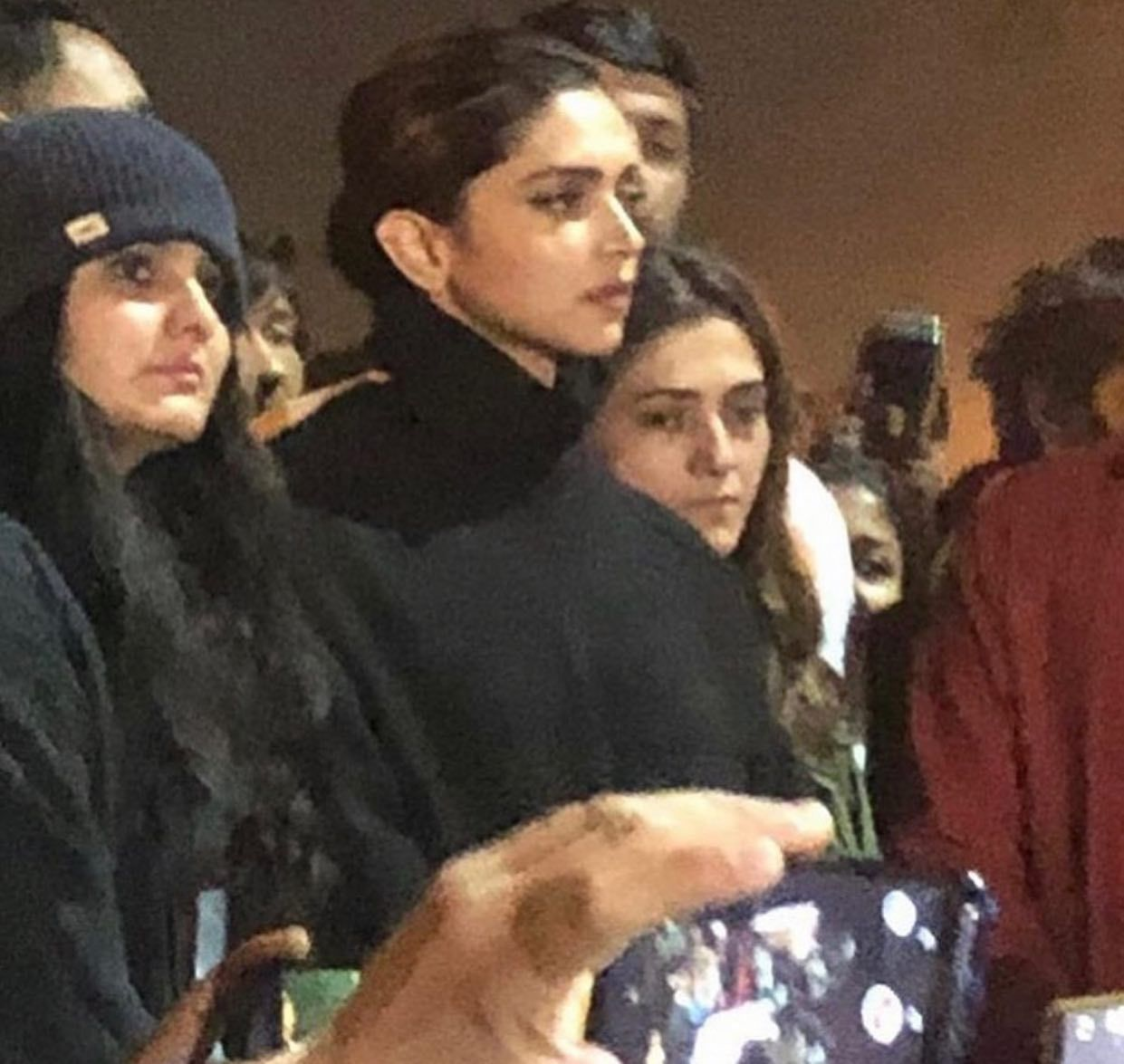 Deepika Padukone Comes Out In Solidarity With The Jnu Attack Victims The Actress Was Spotted At A Peaceful Protest Today Filmfare Masala Masalama In 2020