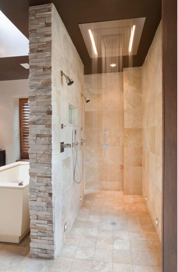 baño con rociador cascada empotrado en el techo | Diseño ...