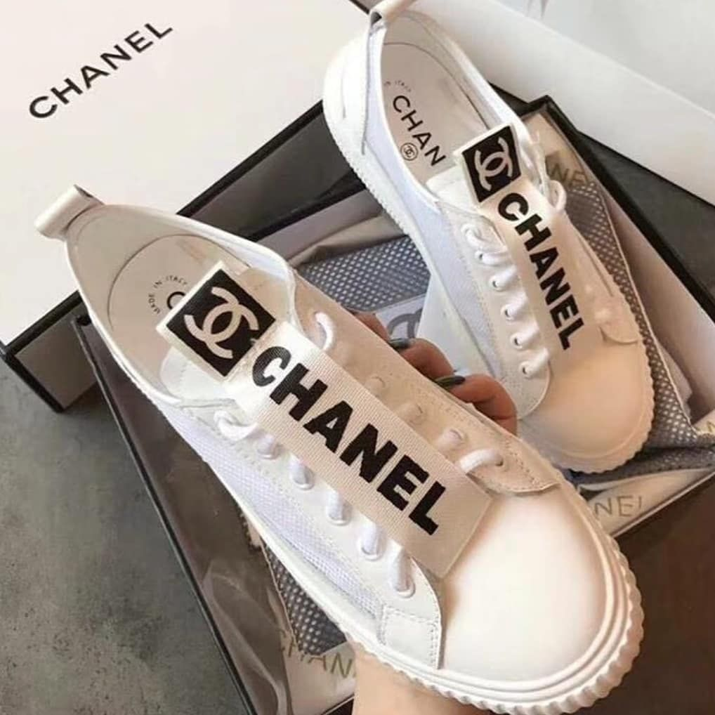 Tênis Chanel off white. ??SUPER SALE