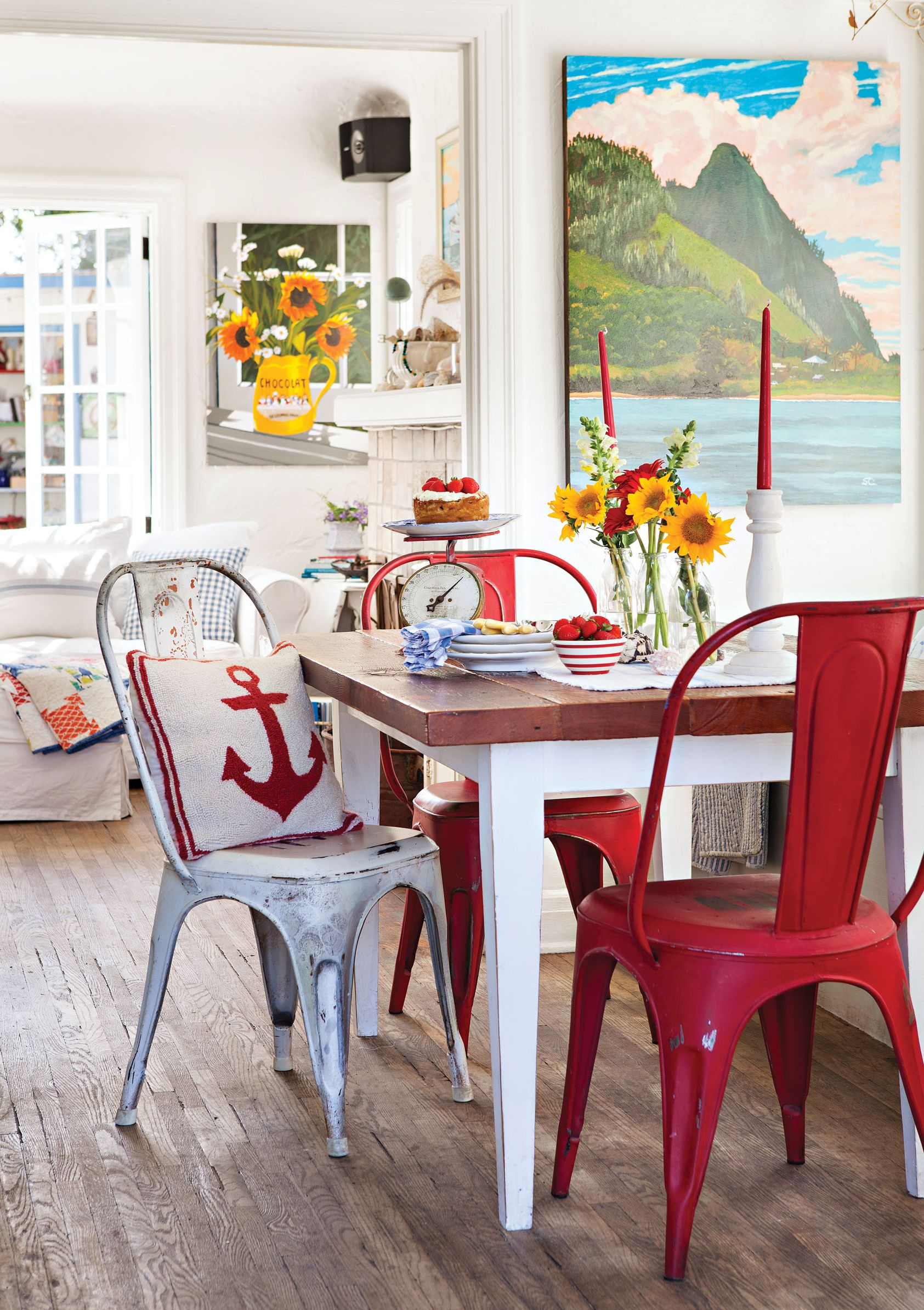 House Tour A Vintage Filled California Beach Cottage