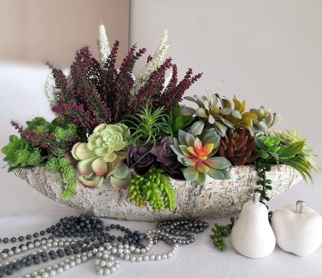 Sukulenty I Wrzosy W Brzozowej Donicy Flowers Table Decorations Decor