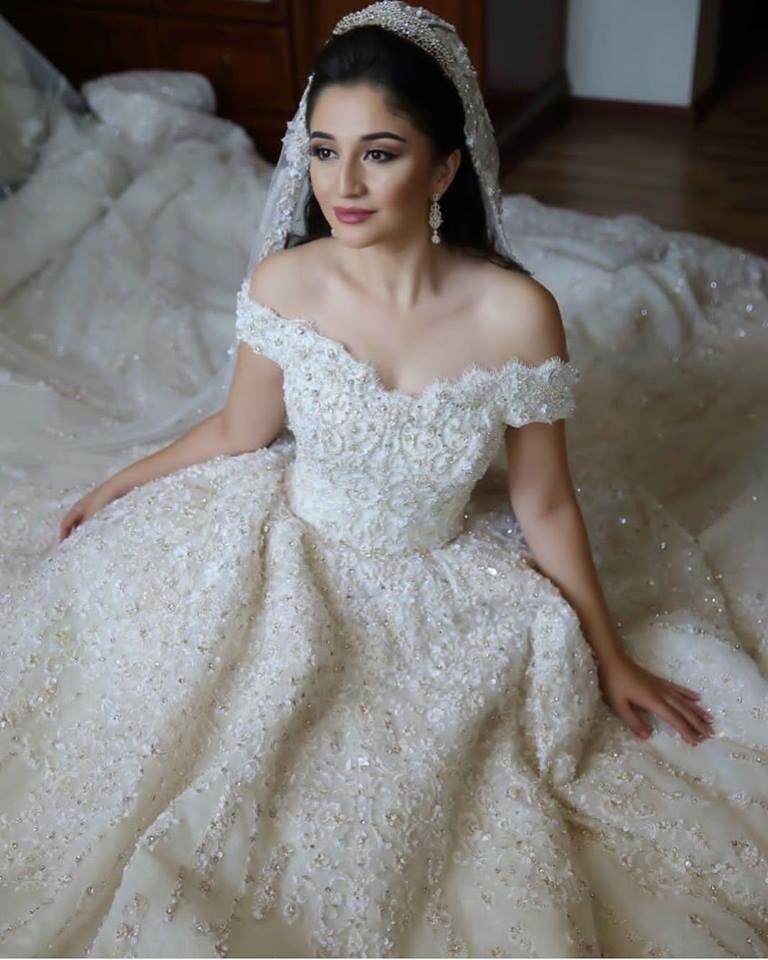 Pin by Zainab on بدلات و تفاصيل عروس | Dresses, Wedding ...