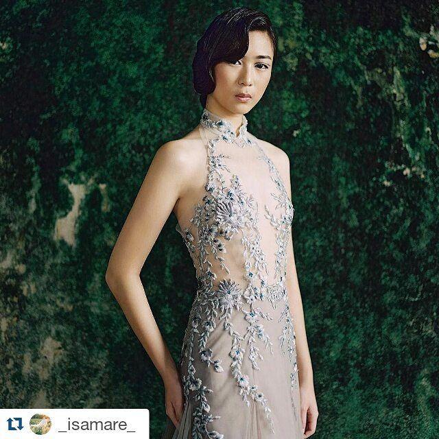 Styling for evening dress   Beautiful shoot #Repost @_isamare_ with @repostapp ・・・ #isamare #editorial  Dress by @cinobicinobi Model  @niaastria  Hair&make up @ave_erlangga