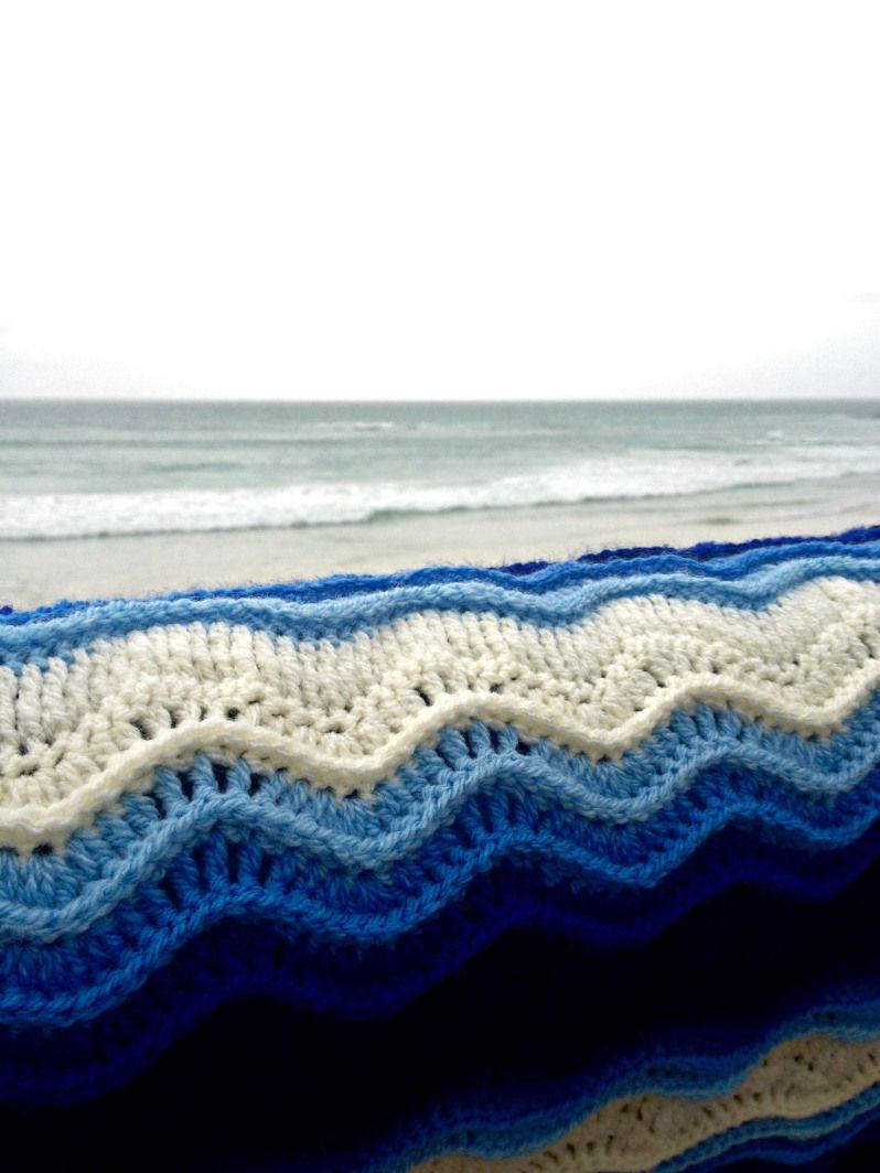 Atlantic Waves ripple blanket Ta-daaaah! | Deckchen