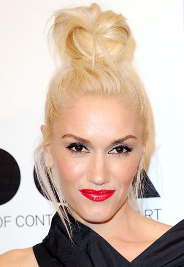 Celebrity Makeup How To Wear Red Lipstick Gorgeous Blonde Blonde
