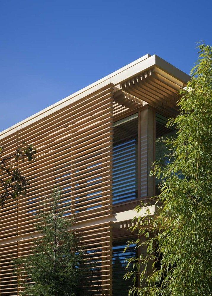 Gallery of venture capital office headquarters paul for Casa minimalista barcelona capital