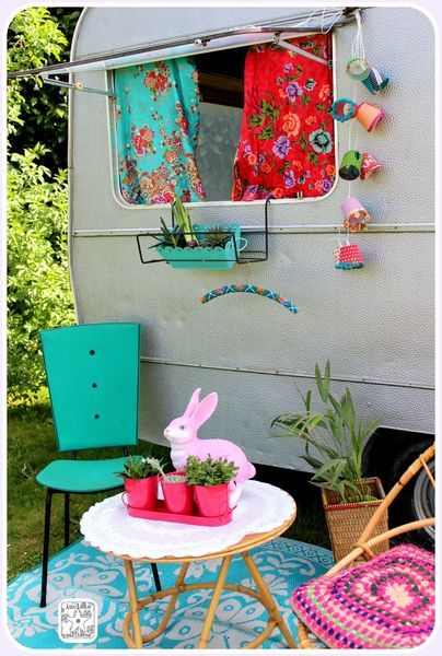 caravane dehors caravans and trailers caravane r tro. Black Bedroom Furniture Sets. Home Design Ideas