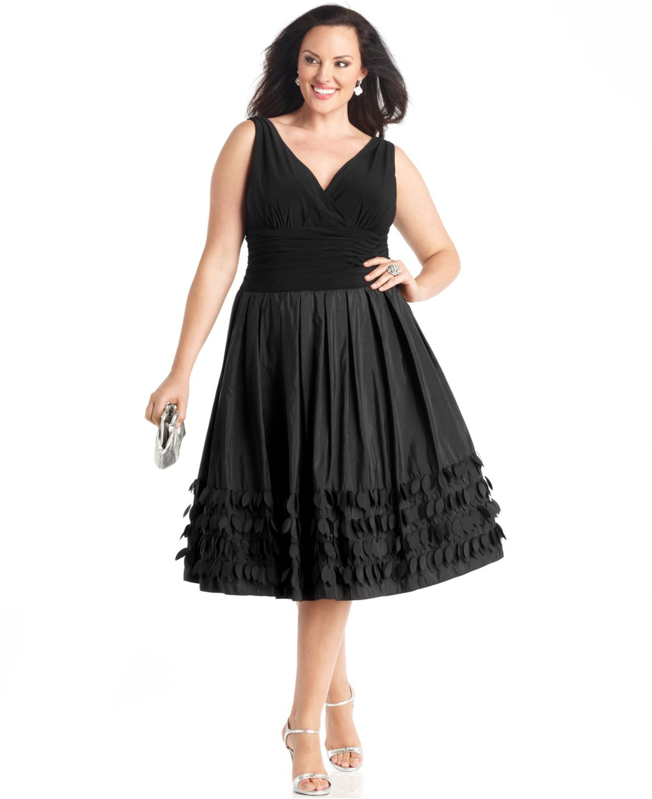 nice detailing at the hem. sl fashions plus size dress, sleeveless