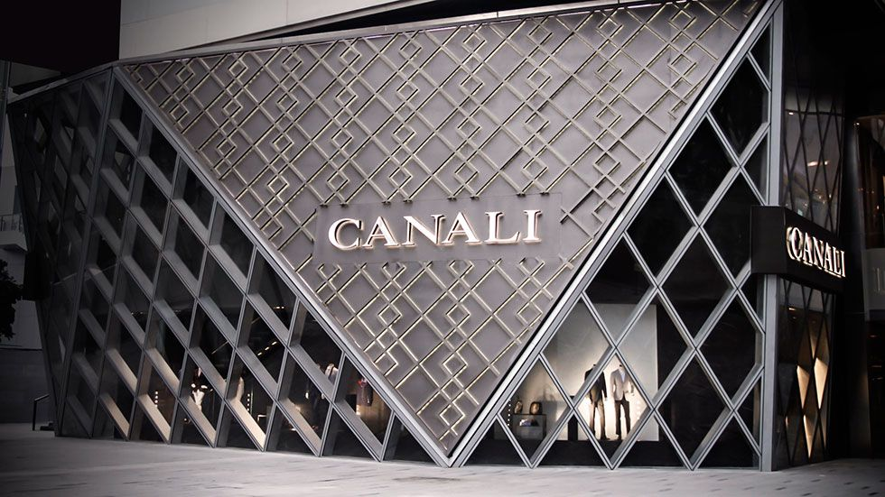 The #Canali #boutique at the Mix Mall in #Chengdu 万象城 The MiXc in 成都, 四川. #menswear #mensfashion #stores #retail #storefronts #architecture #fashion