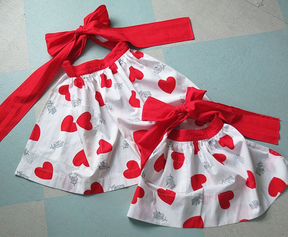 Mother Daughter Set Of Vintage Valentine Aprons, White With Red Hearts And  Gray Cupids