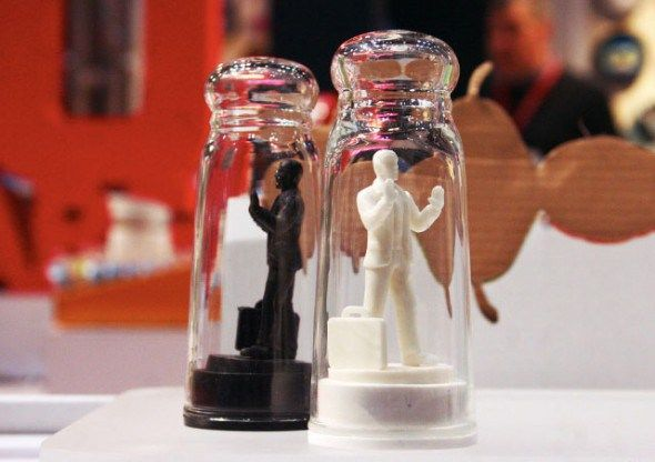 Kikkerland Drowning In Debt Salt And Pepper Shakers - Save these men from drowning in their salty and peppery debt.