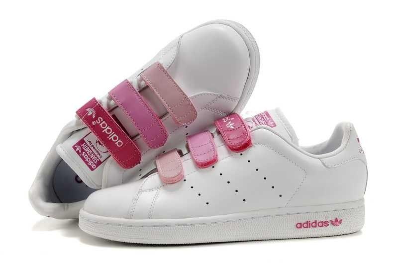 Adidas Stan Smith, Stan Smith Trainers, Cher 2016, Adidas Shoes, Rose Basket,  Adidas Originals, Basket Pas Cher, Nike Dunks, Air Max 90