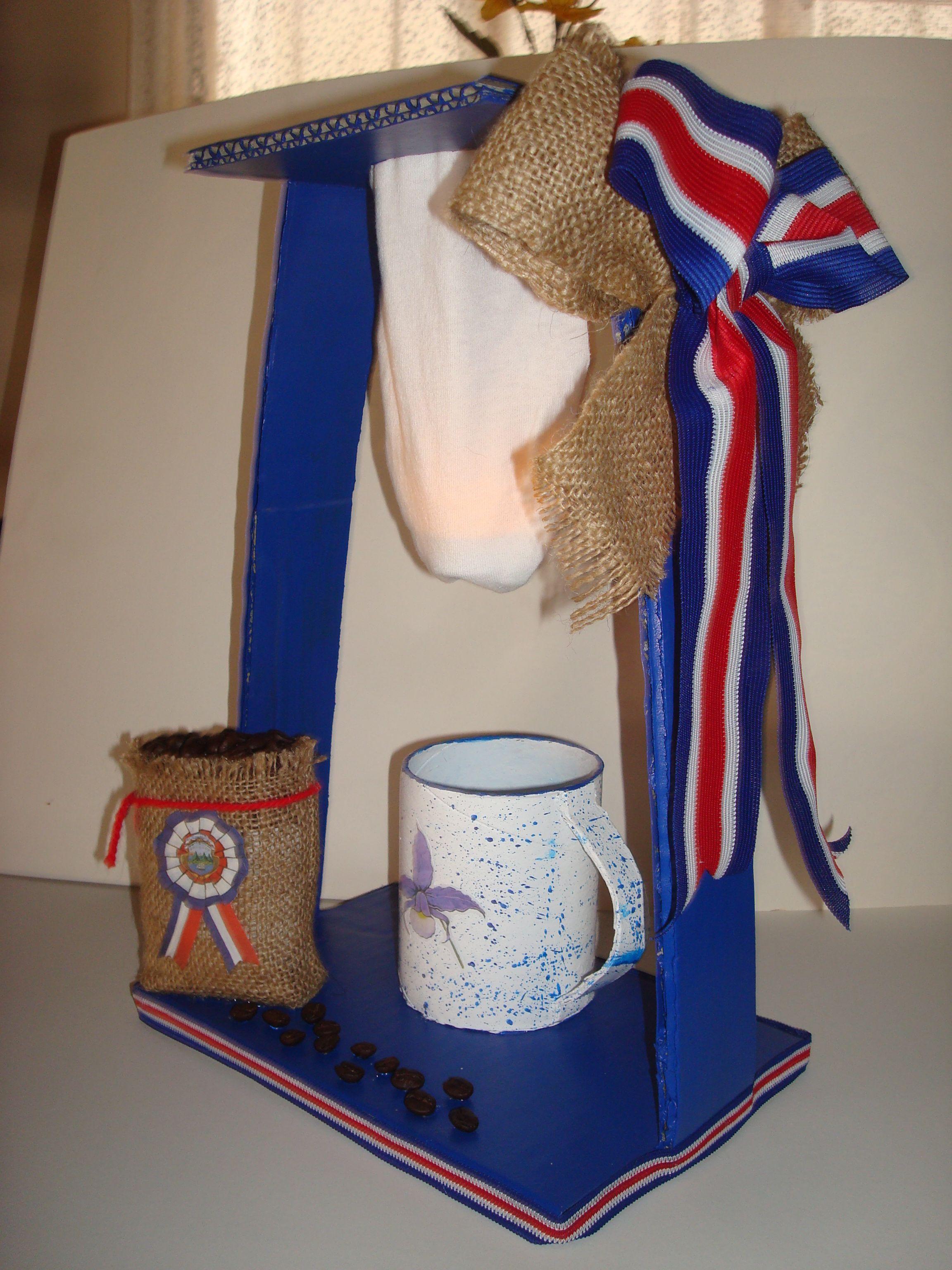 Farol para el 14 setiembre con materiales reciclados for Materiales reciclados para decoracion