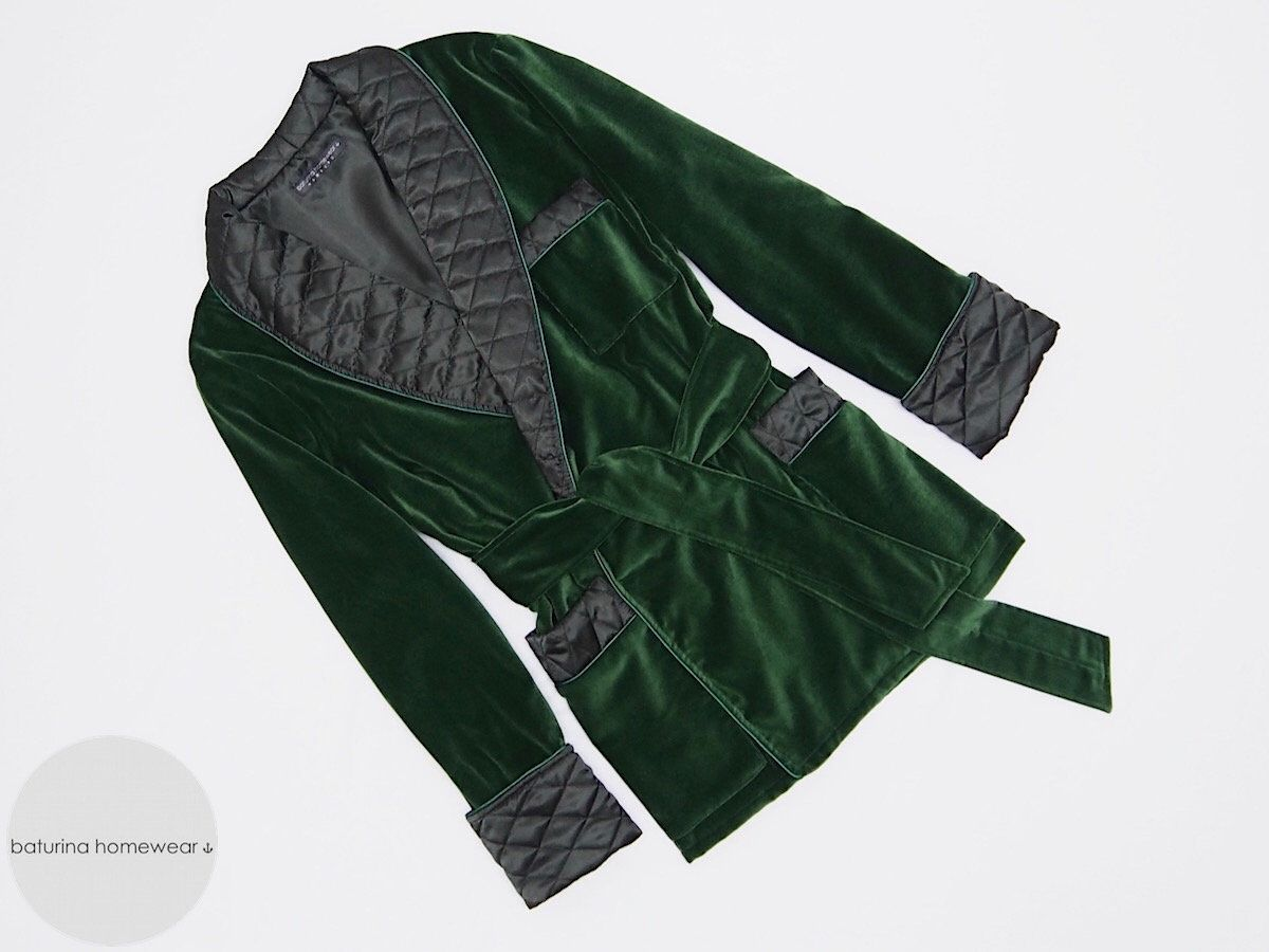 Classic dark hunter green velvet dressing gown with quilted and piped black  satin silk shawl collar 9b14111f6