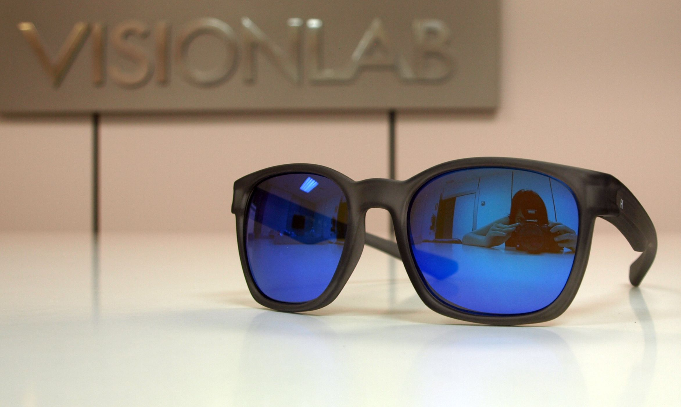 Gafas de sol Hevian montura negra http://www.visionlab.es ...