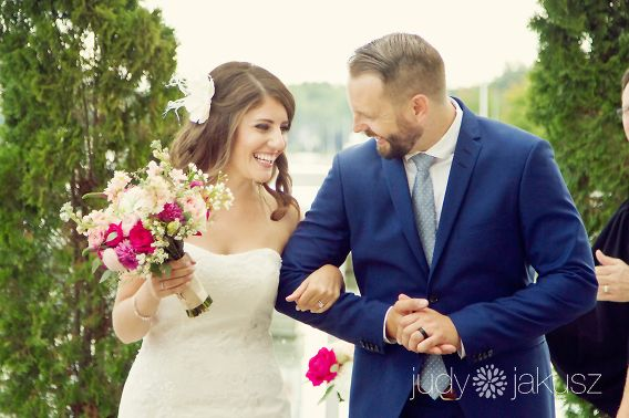 Lakeside Wedding At Bronte Harbour