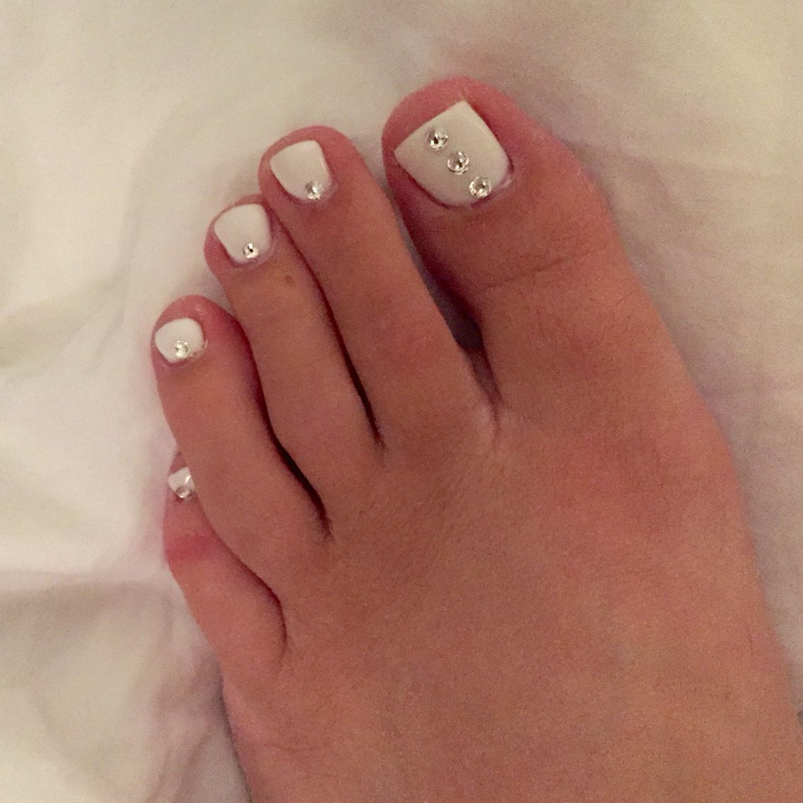 White Rhinestone Pedicure #nailart #whitepedicure