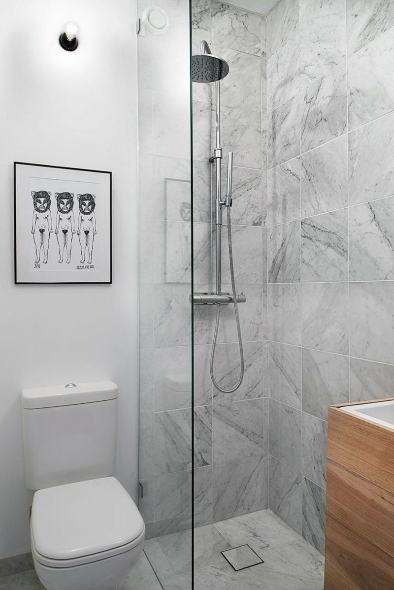 Skandinavisches Design Mit Badezimmer In Marmor Optik Fliesen Bad Badezimmer Kleine Bader Und Wc Mit Dusche