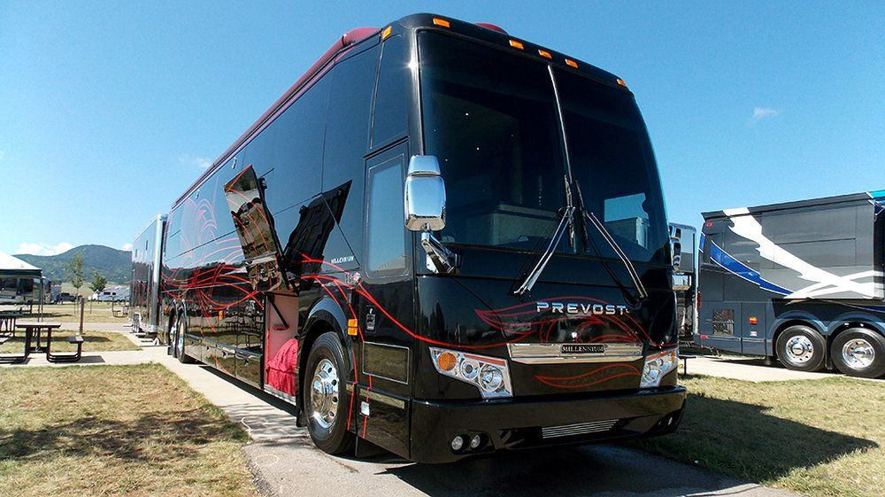 Rv Collision Repair And Painting We Do Custom Rv Paint Designs Ave