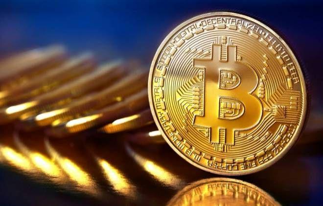 @olhardigital : Bitcoin dispara no final de semana e ultrapassa a barreira dos US$ 2.000: https://t.co/RX1nvMxUgs https://t.co/OMR9NPhHTj