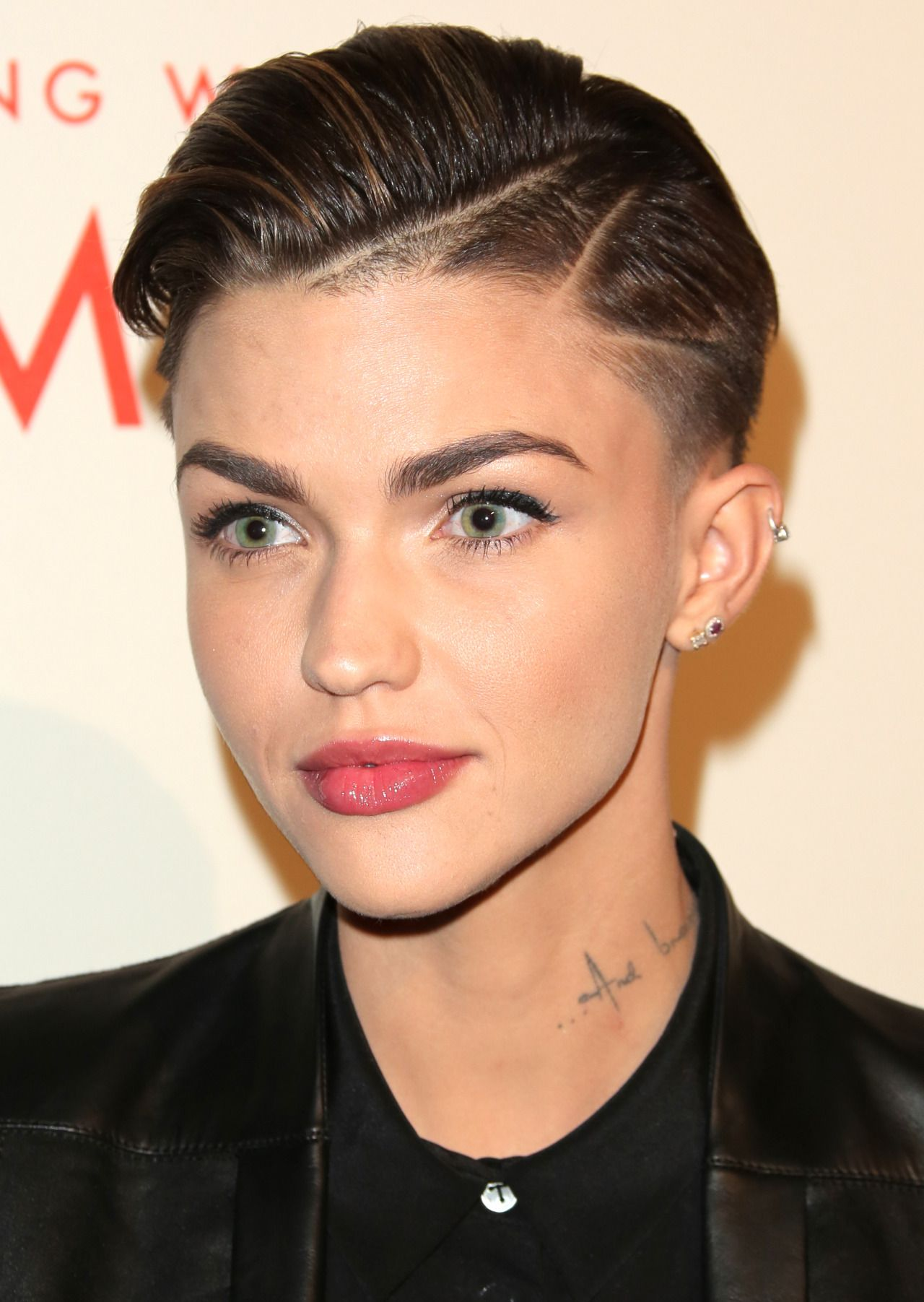 Short Hair Beauty Introwersja Ruby Rose Orange Is The New Black Ruby Rose Hair Ruby Rose Haircut Super Short Hair